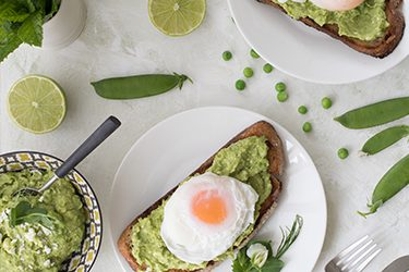 avocado-peas-and-feta-with-poached-egg-featured